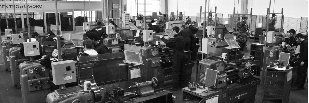 Corso gratuito di operatore meccanico - costruzioni su macchine utensili e a controllo numerico
