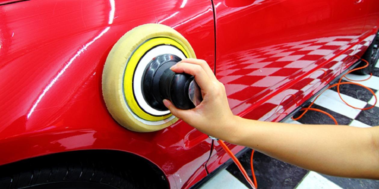 Operatore alla riparazione dei veicoli a motore - Riparazioni di Carrozzeria