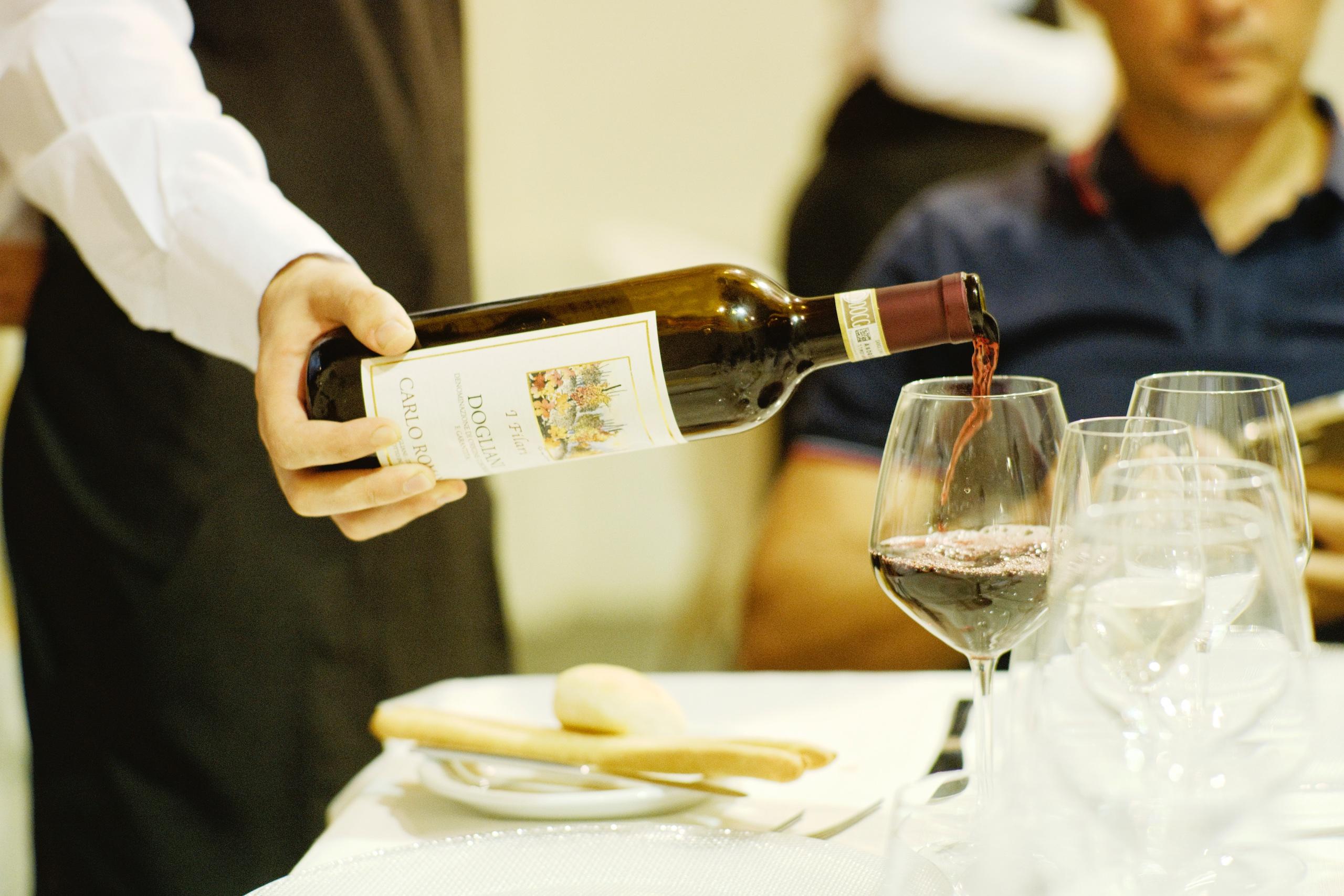 F.C.I. - Ristorazione - Elementi di degustazione vini e abbinamento enogastronomico