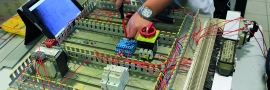 Addetto impianti elettrici industriali