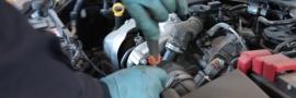 Operatore alla riparazione di veicoli a motore